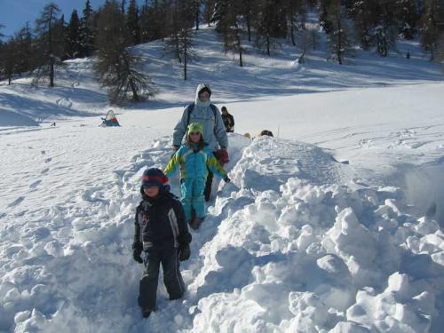 [2009-02-15] Familien-Schneewanderung, Skitour und Rodeln - Gampen [Alm] - Stange - Kornigl