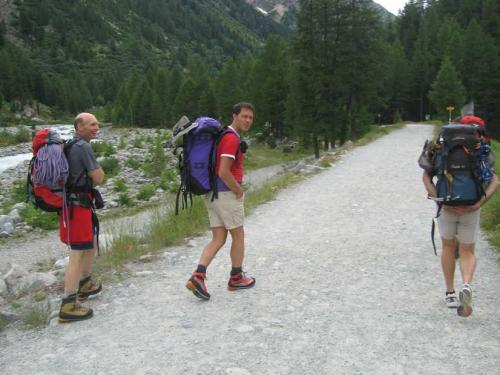 [2009-07-11] Hochtour Piz Morteratsch und Gletscherüberquerung mit Gipfeltour Munt Pers - Bernina CH (Bus)