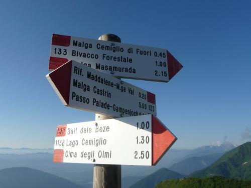[2013-06-22] Bergwandern am Bonacossa-Steig - Ulten Nonsberg (Bus)