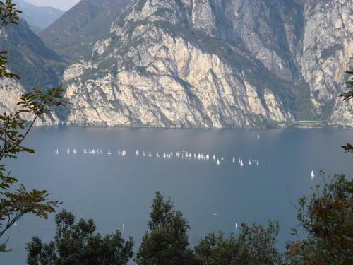 [2013-10-19] Gardasee - Wanderung am Sentiero delle Busatte in Torbole (Bus)