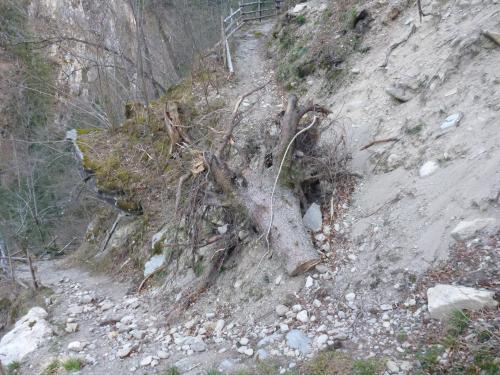 [2015-04-07] Unwetterschäden Weg Nr. 6 Mayrhof - Völlan